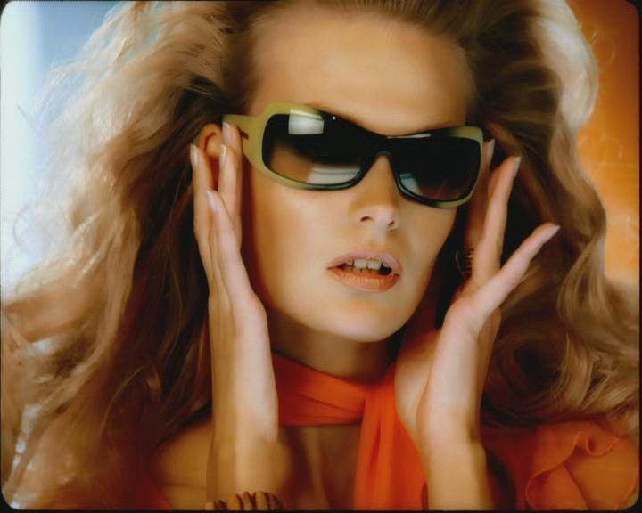 Alto Verbano e Adart Milano firmano la raffinata campagna internazionale per gli occhiali Vogue