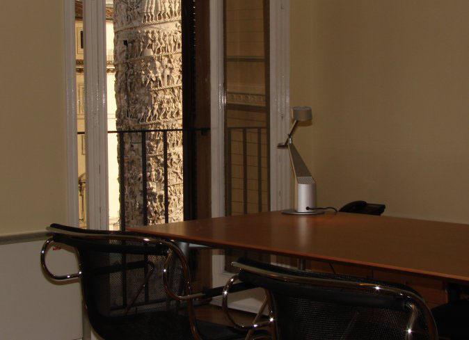 In piazza Colonna a Roma l'ufficio di prestigio con vista su Palazzo Chigi
