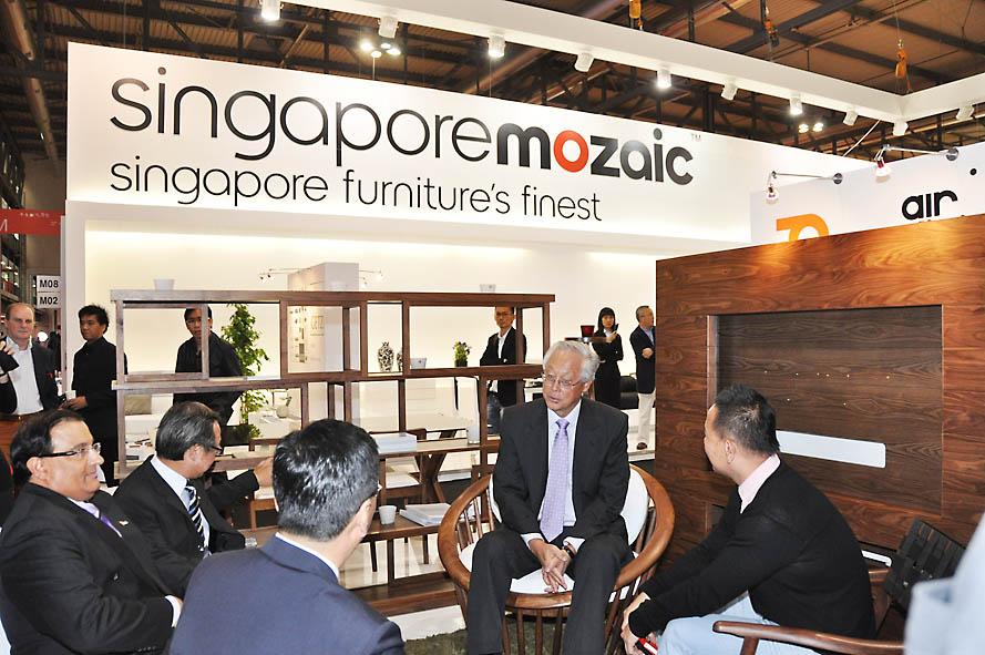 Singapore Mozaic affascina i creativi e le Istituzioni italiane al Salone Internazionale del mobile di Milano