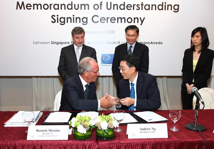 Federlegno stringe una partnership con l'industria del mobile di Singapore