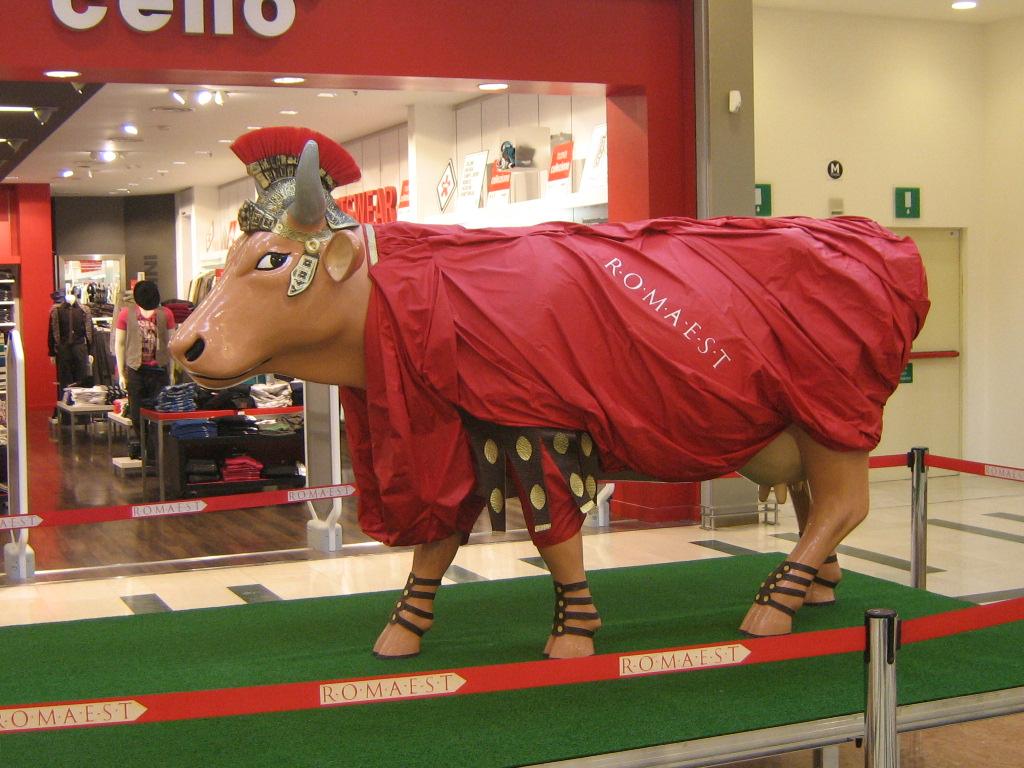"A Romaest le ""mucche d'artista"" di CowParade"