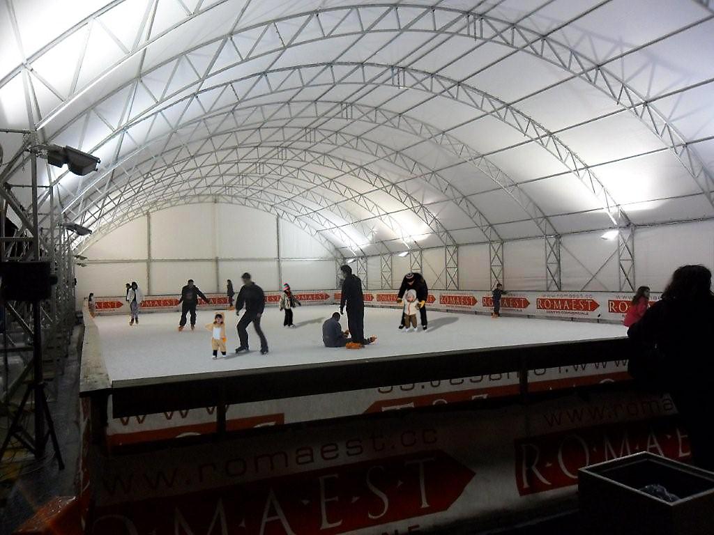Pattinaggio sul ghiaccio a Romaest