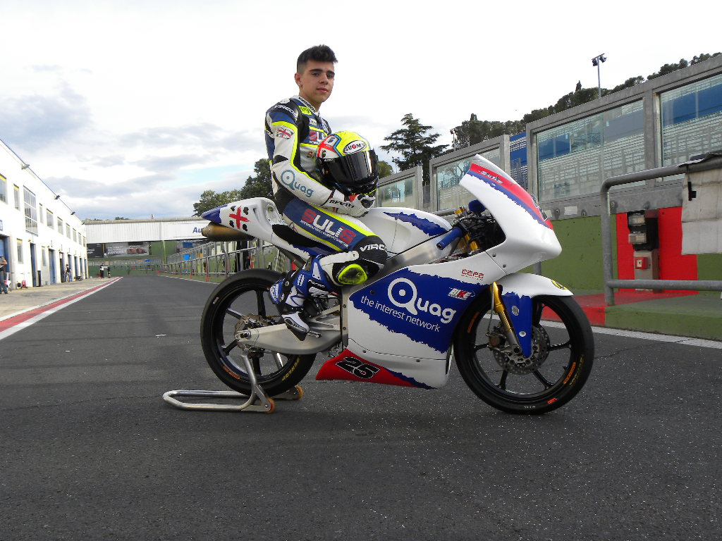 Quag.com sale sulle due ruote e sponsorizza una giovane promessa del motociclismo italiano