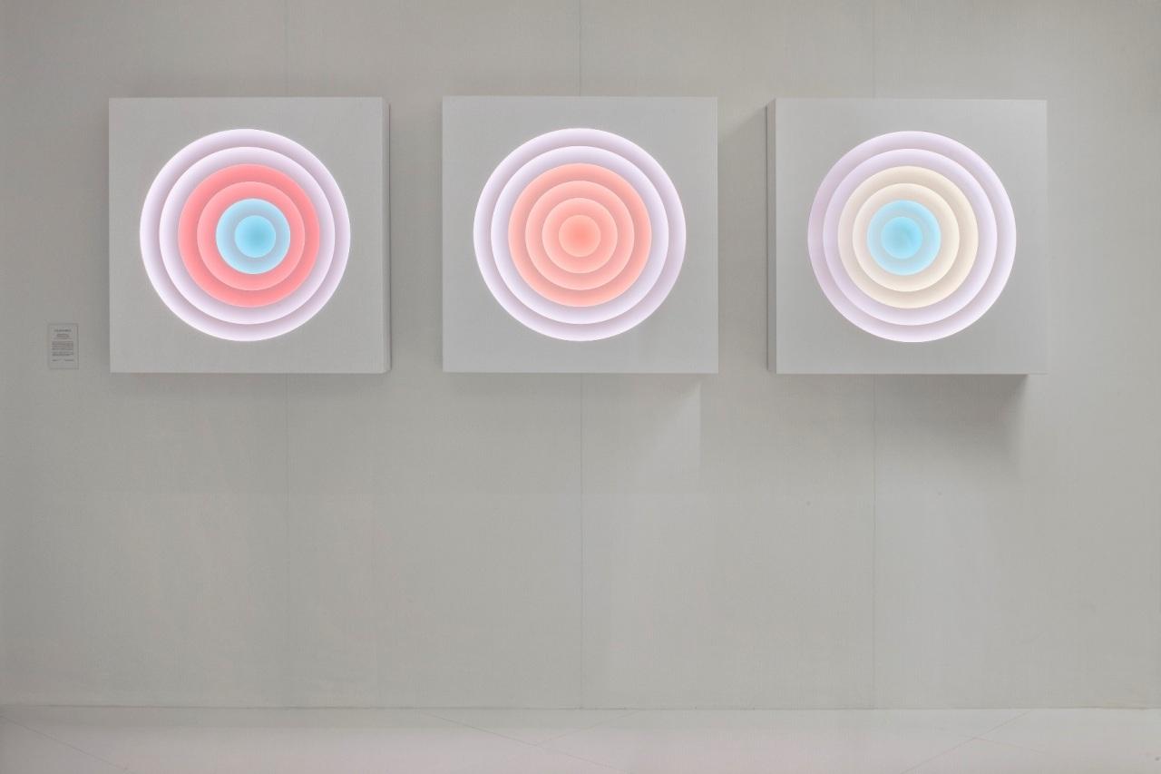 COLOR WHEELS Un'opera di Light Art, ispirata alla Teoria dei Colori