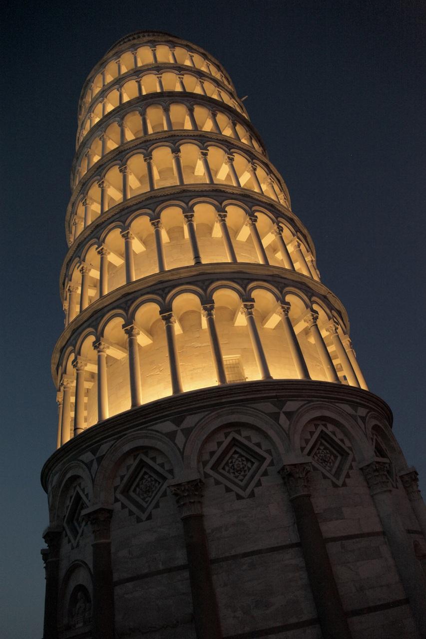 La Torre di Pisa si accende con Targetti per la Luminara di San Ranieri