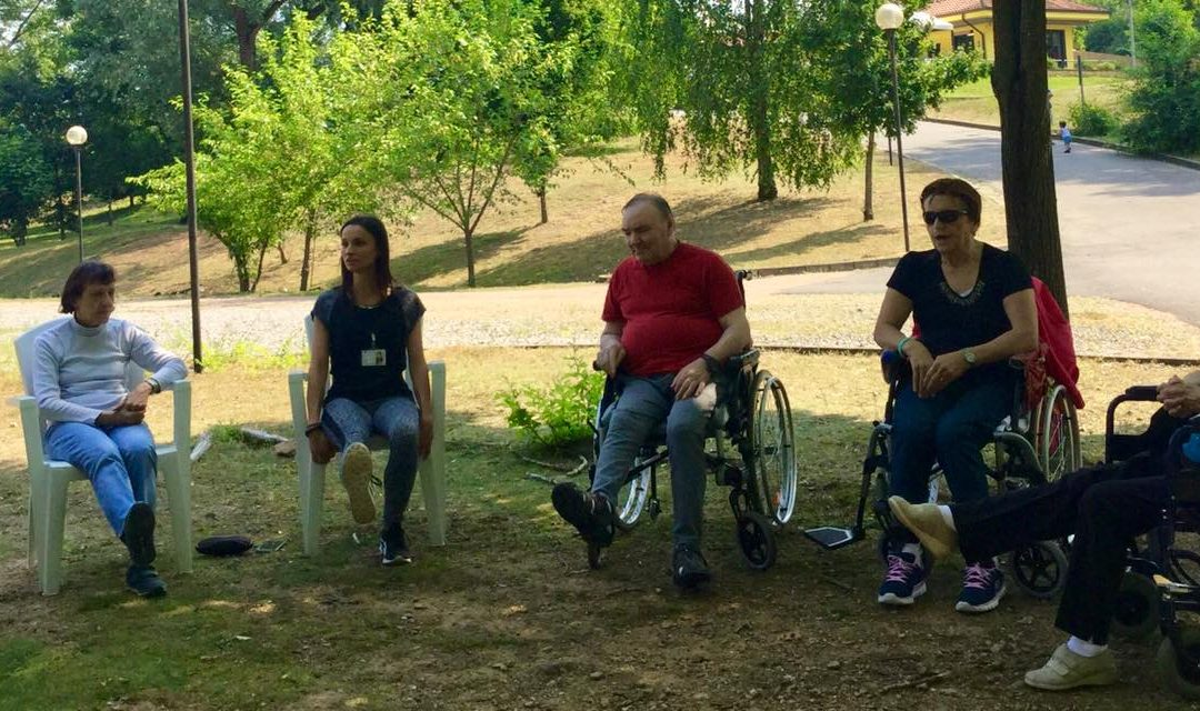 I benefici del movimento all'aria aperta:  a Villaggio Amico l'attività fisica si fa nel parco