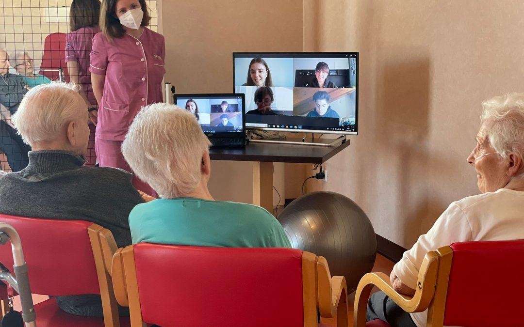 """""""Contatti-Distanti"""": scambio intergenerazionale tra gli ospiti di Villaggio Amicoe gli studenti del Dehon di Monza"""