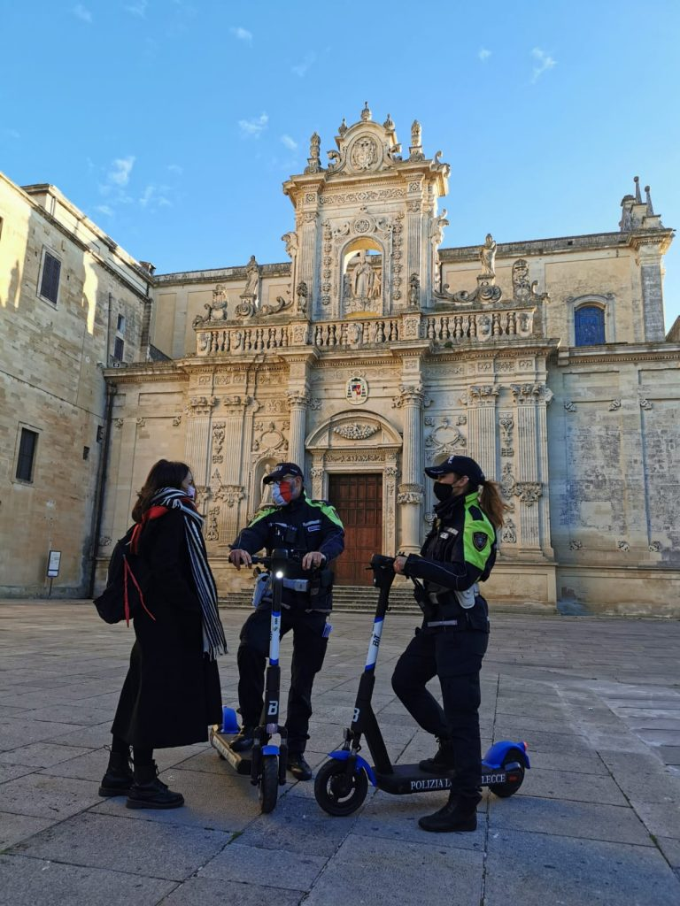 La_Poliza_a_Lecce