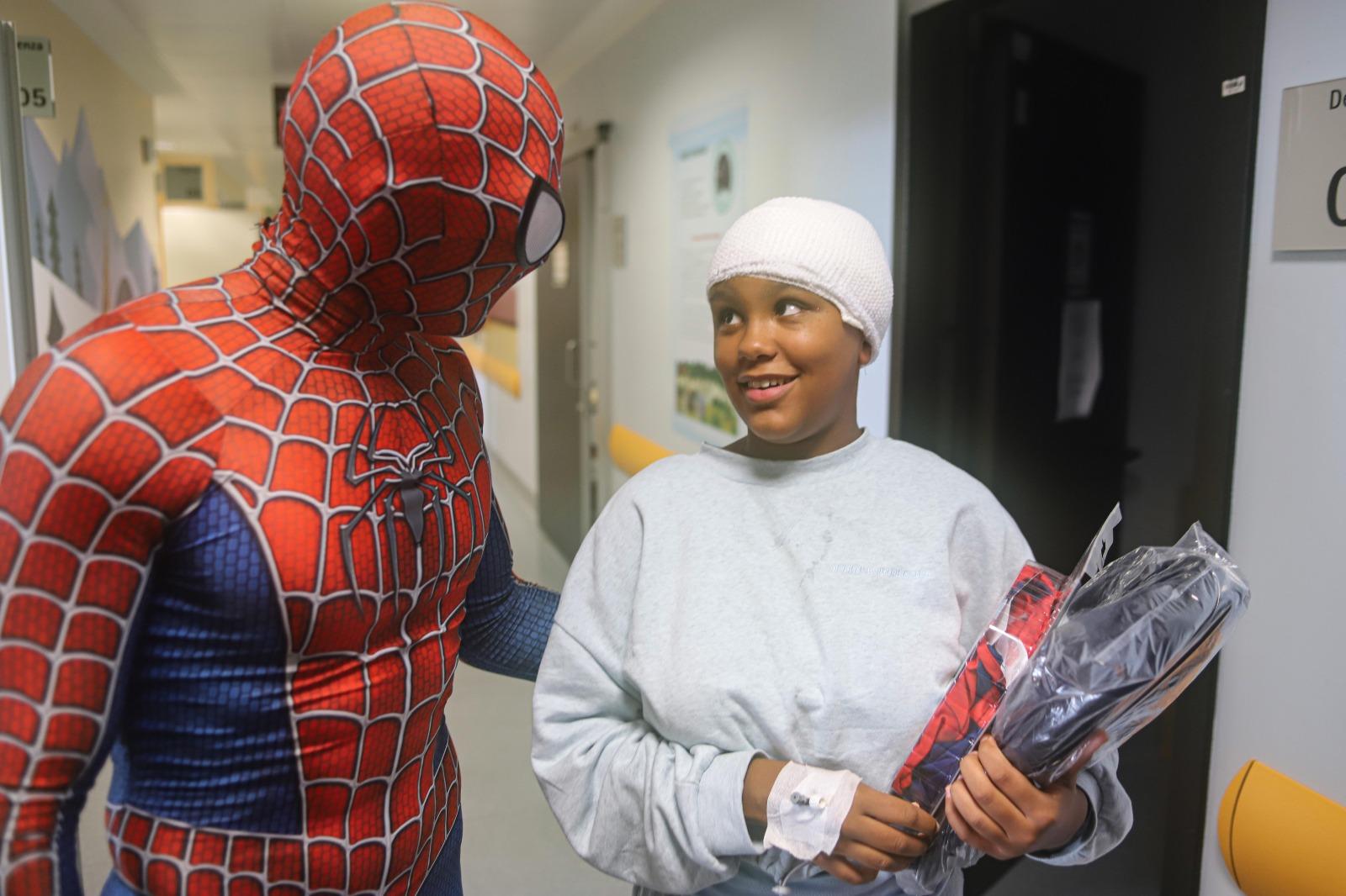 MediCinema Italia e Grande Ospedale Metropolitano Niguarda portano Spiderman nel reparto di pediatria